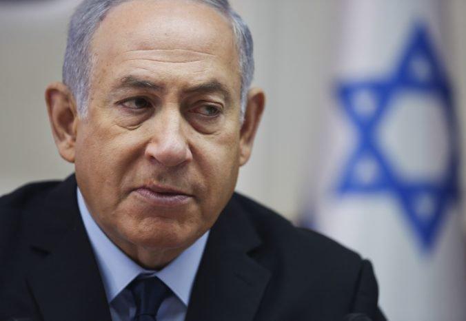 Izraelu hrozia predčasné voľby, premiéra Netanjahua čakajú rokovania na záchranu vládnej koalície