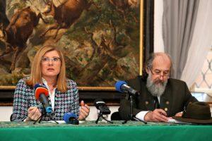 Klenot medzi poľnovníckymi kaštieľmi zrenovujú, ministerka Matečná na to vyčlenila milióny eur