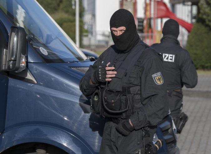 Nemecká špeciálna policajná jednotka omylom vtrhla do bytu 88-ročnej ženy, hodila k nej granát