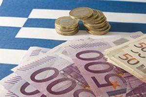 Dôchodcom v Grécku sa penzie neznížia, jednomyseľne rozhodli poslanci
