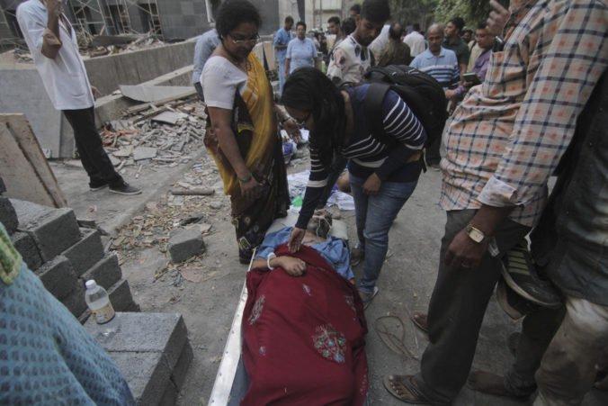Video: Počet obetí požiaru v bombajskej nemocnici stúpol, je medzi nimi aj niekoľkomesačné dieťa