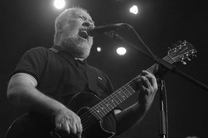 Vo veku 63 rokov zomrel Pete Shelley z kapely Buzzcocks