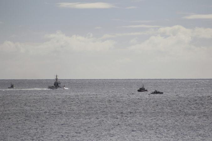 Foto: Na Havaji sa zrútila stíhačka Hawker Hunter, cvičenie Sentry Aloha museli prerušiť