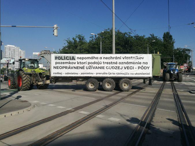 Slovenskí farmári vyhlásili štrajkovú pohotovosť a opäť pripravujú protesty na traktoroch