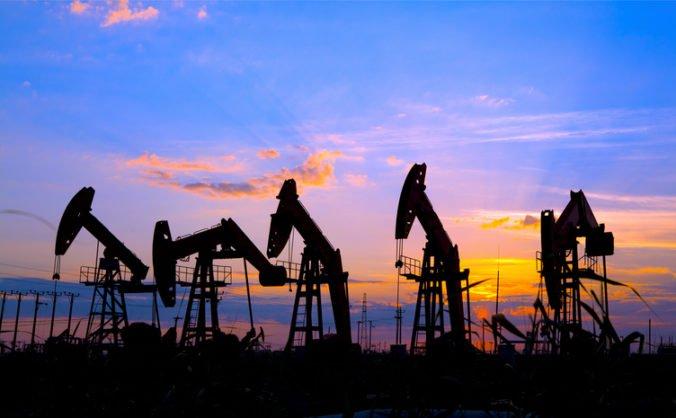 Ľahká americká ropa si pripísala 65 centov, polepšila si aj ropa Brent