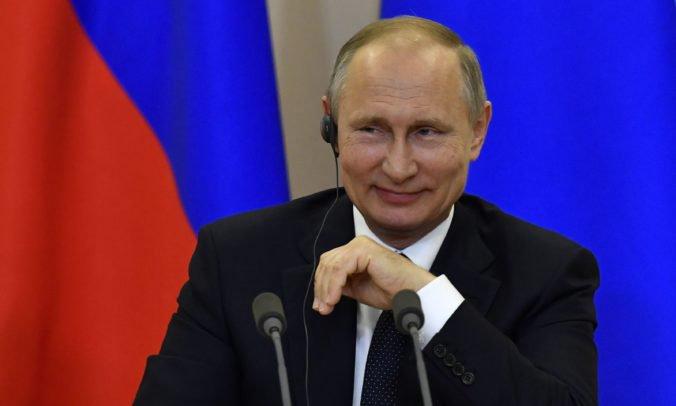 Nevyrovná sa im žiadna krajina, Putin chváli nové hypermoderné zbrane ruskej armády